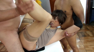 Orgy in the bath with erotic secretary