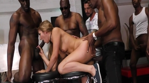 Chubby Lexington Steele among Sean Michaels getting facial
