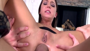 Teen chick Foxy Di helps with receiving facial cum loads