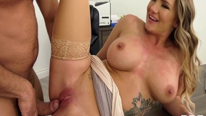 Raw sex escorted by very hawt american nympho Cali Carter