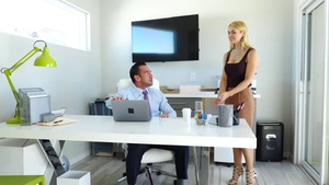 Anal fucking in office among trimmed star in stockings