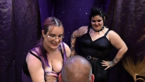 Huge mistress feels up to femdom in HD