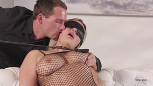 Natural Kylie Page blindfolded throat fucking