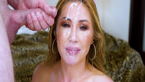Babe Kianna Dior as well as Anna Di cumshot