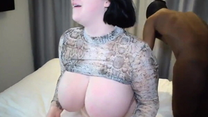 Chubby Harmony Reigns lusts sucking dick