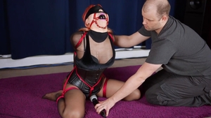 Asian babe finds irresistible fetish BDSM HD