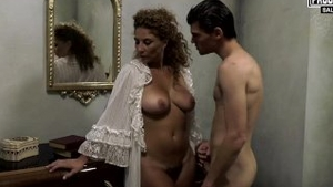 Young italian mature really enjoys pussy fucking