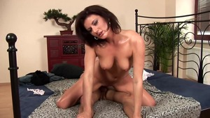 Shaved MILF tittyfuck