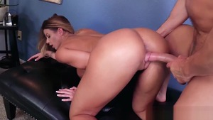 Big ass MILF Brooklyn Chase lusts nailing in tight stockings
