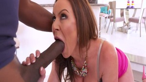 Busty mandingo MILF Kendra Lust has a thing for blowjob