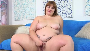 Pussy eating XXX video with chubby raunchy Tiffany Star